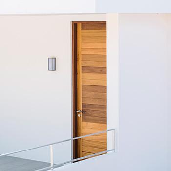 Doors+Hardwares